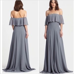Monique Lhuillier Flared off shoulders maxi Gown